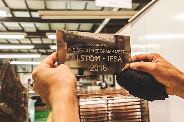 Adesivação, Placas e Etiquetas em Aço Inox
