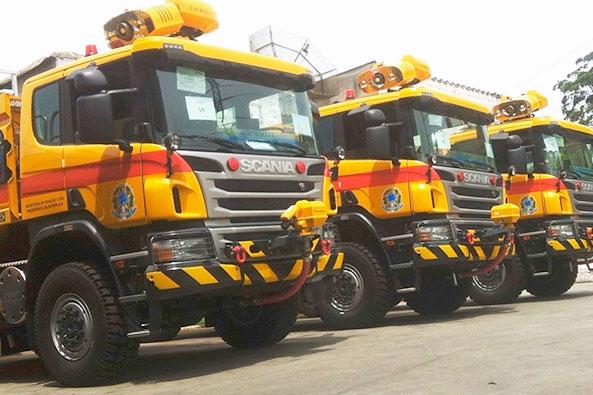 Adesivação Total Caminhão de combate a incêndio para aeroportos
