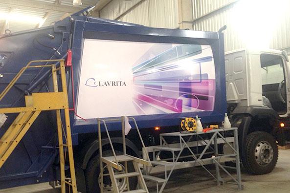 Adesivação Total Caminhão Limpeza Ambiental
